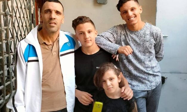 Yacine MEBARKI retrouve la liberté, après un an passé en prison.